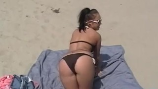 Sexy Plump Pornstar Brandy Talore Flashes at the Beach