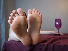 Jerk for Feet in Public: Foot Fetish Public Humiliation JOI Femdom Barefoot
