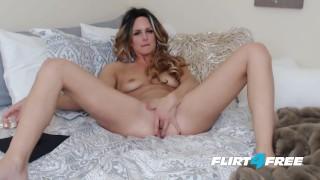 Whitnee James on Flirt4Free - Sexy Blonde Petite Babe Penetrates Both Holes porno