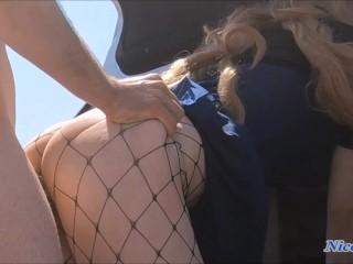 Ottiene l'annullamento della multa scopando la poliziotta