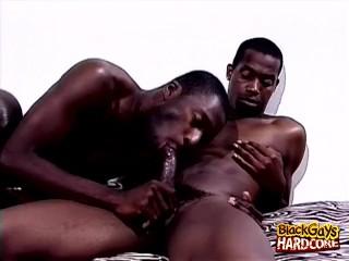 Threeway Ebony Gay Encounter