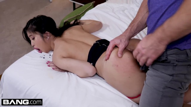 Nude frat house Jade kush loses a poker bet gets fucked in a frat house