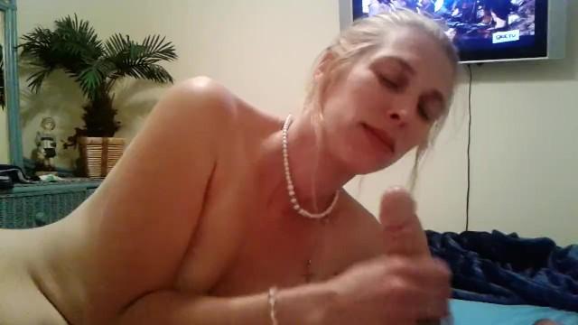 Cock Sucking Amateur Blonde Milf Deepthroats Cock