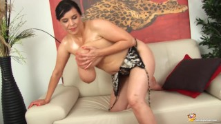 Milf shows her oiled monster boobs Tranny dick