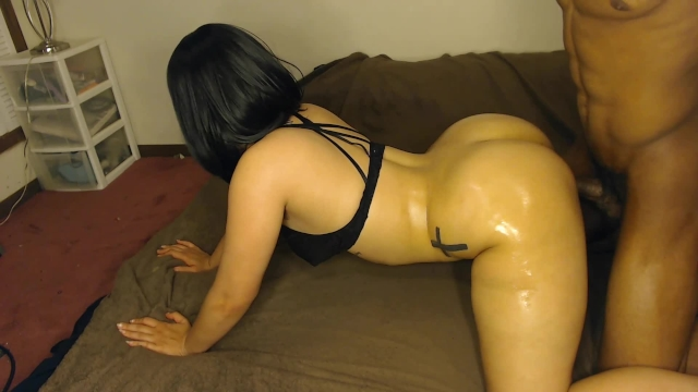 Big Booty White Girl W Black Hair Gets Smashed Doggy -4434