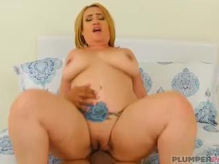 Sexy Latina MILF Risa Chacon Loves Big Dicks