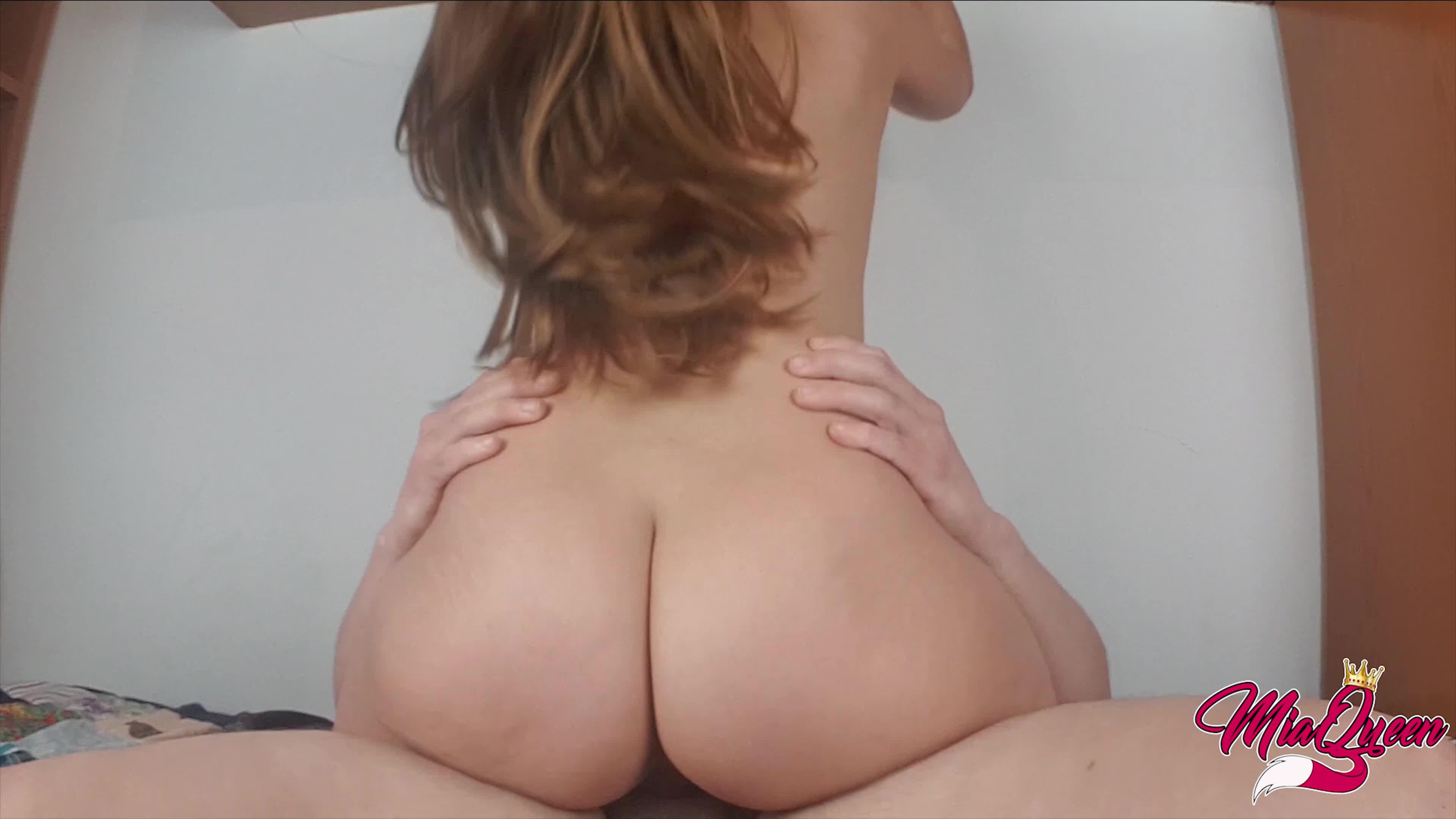 Русский секс сын в лифчике лижет матери