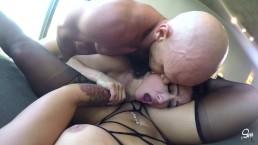 Kissa Sins et Katrina Jade au chattes folles et soumisent, toutes deux ont une ejaculation interne