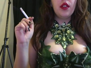 Chubby Teen w Natural Big Tits Poison Ivy Cosplay Smoking Fetish Red Lips