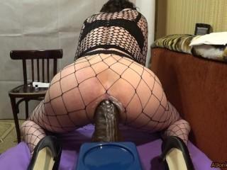 TS-girl with a big ass, trains a big hole
