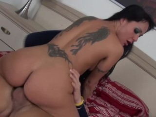 sexy Mahina Zaltana gets banged in her spandex