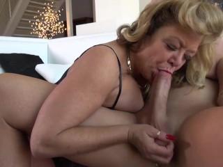 legendary porn queen Karen Summer enjoys getting fucked