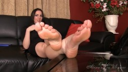 Alexandra Snow foot joi