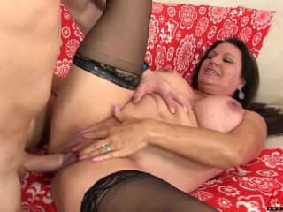 busty & beautiful GILF gets loved up and banged