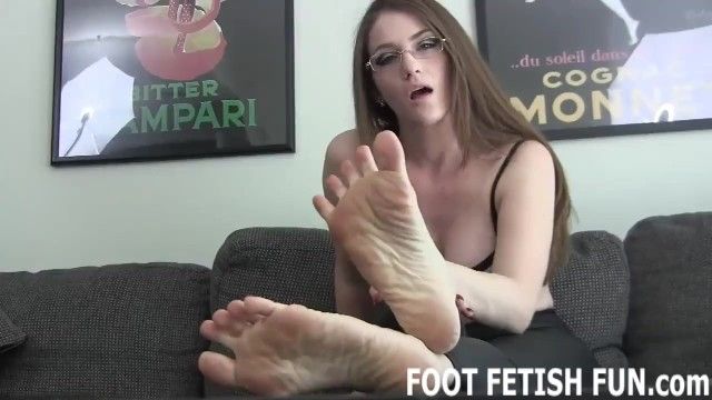 Porn tube video downloads Foot fetish and foot worshiping tube videos