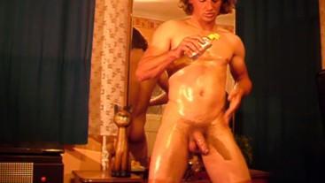 Fit guy oiled masturbation & no hands cum