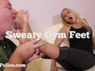Tabatha Jordan (aka Hailey Hills) Gets Her Sweaty Gym Feet Worshiped