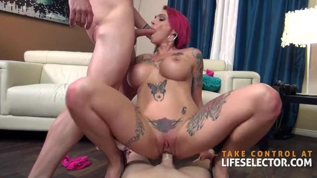 Lesbian Milf Threesome Hd