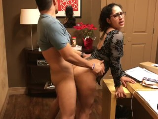 Office slut finishes him off in her mouth