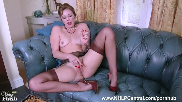 Vintage brown handbag Dirty blonde lucy lauren masturbates in vintage brown nylons and stilettos