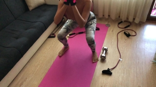 Fit teen is ass fucked in yoga pants.HD porno