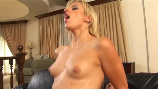 Anal Threesome for Two Chicks 7
