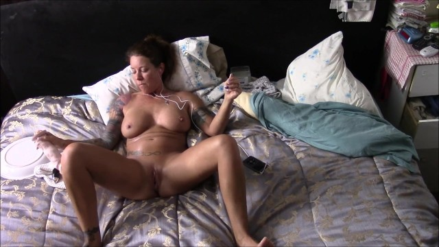 Amateur;Masturbation;Toys;Exclusive;Verified Amateurs;Solo Female;Tattooed Women adult-toys, masturbate, orgasm, watching-porn, wife, milf, pulsing-pussy-orgasm, dildo-ride, dildo, fingering