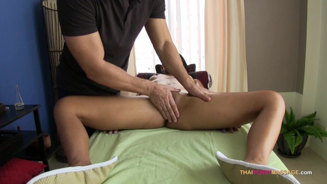 Pinch her pussy mound during naked oil massage 11