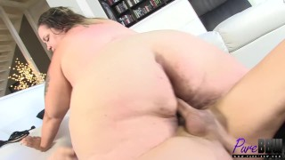 brand new SSBBW does her first hardcore
