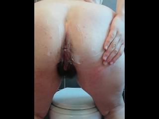 Amateur chubby italian spread cream on tits big...