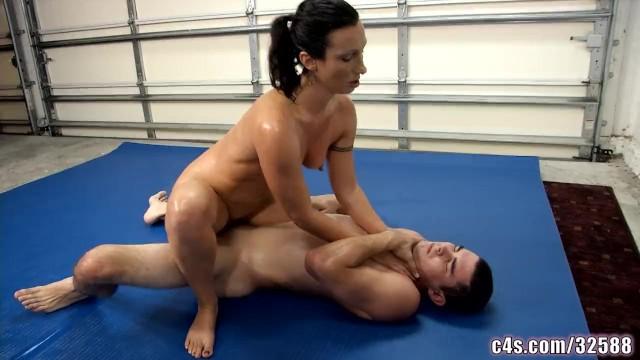 nude wrestling frau