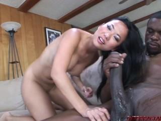 Asian girl Niya Yu takes 2 big black snake sized cocks