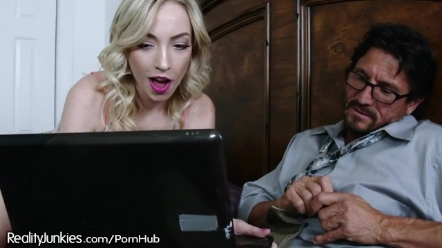 Mama Hotel sex