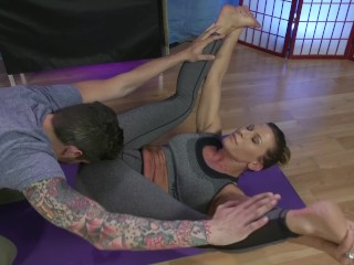 Ariel X gets rubbed down by a horny man during yoga