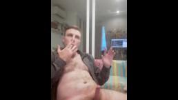 Huge cum shot while live