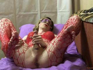 TS-girl Handjob hard cock
