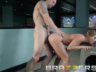 Brazzers - Britney Amber never stikes out