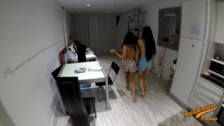 Amateur couple meets teen japanese and chinese - MadeInCanarias