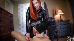 Du willst also mein Sexsklave werden? Lady Fyre-Domina POV MILF