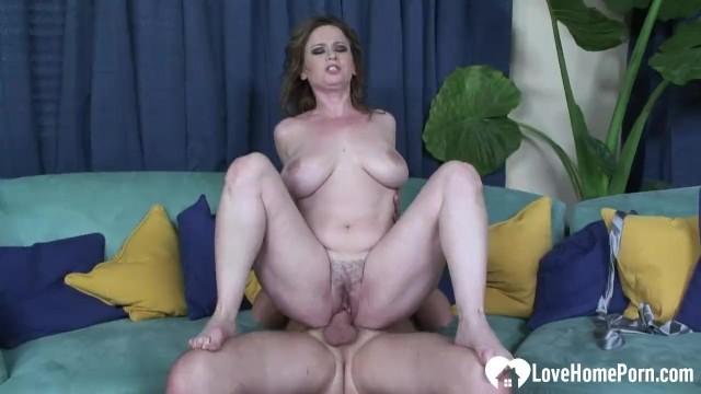 Housewife wants his big rock solid boner 3