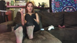 Valentina Castiblanco - Chilling with you sniffin' at my fishnet feet