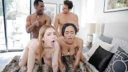 DaughterSwap - geile tieners delen hun vader's penissen