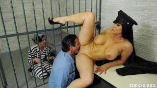 Romi Rain's Pathetic Husband is in Jail so She Fucks the Guard