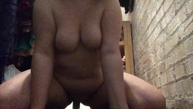 18 year old bbw fucking herself 47
