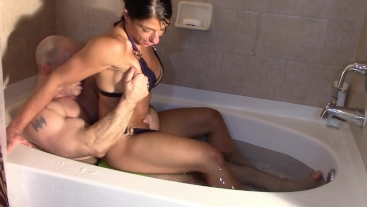 Humping in the tub