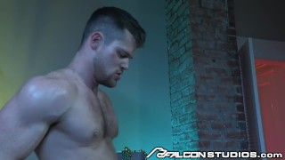 Big met dick went shh clubbing i daddy over the after a muscle handjob