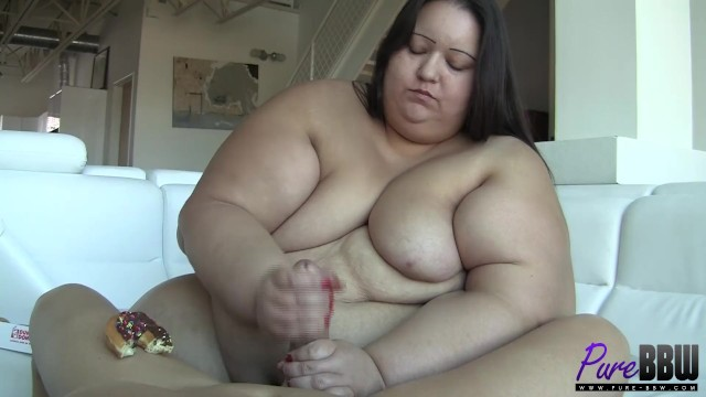 500lb+ Apple Bomb loves Donuts & cock