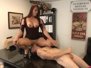 Modeling Agent Nikki Hunter sucks and fucks male casting guy Chad