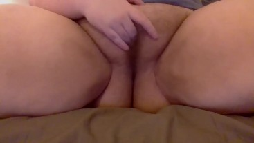 Playing with my hairy pussy and squirting