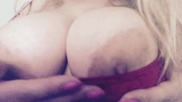 Big boob and booty play with Carlycurvy